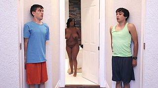 Ricky Spanish, Huge Boobs And Layton Benton - White Teenagers Pass Around A Black Curvy Mom With