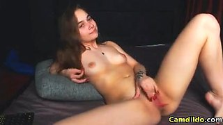 Hot Teen fucking and fingering on cam live and having fun
