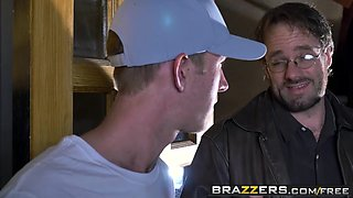 Brazzers - Teens Like It Big - Gwen Stark Danny D - My Stepsisters New Outfit