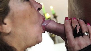 SCAMBISTI MATURI - Mature Italian lady in steamy hard fuck