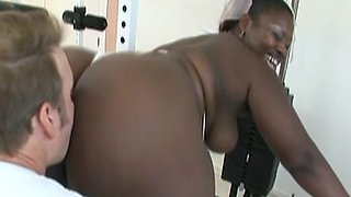 Fat Ebony DeCollector Fucked By Gym Instructor