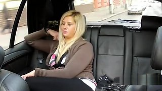 Blonde amateur gets nice cumshot in taxi