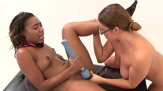 Amazing pornstars Elexis Monroe and Chanell Heart in crazy big ass, small tits porn movie