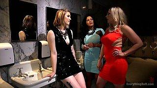 Slutty lesbian Ella Nova is fisting two nasty girlfriends