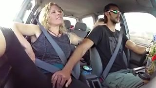 Blonde gets fingered untill cum in the car