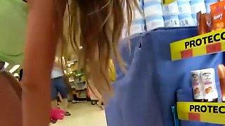 Brunette teen cameltoe in tight shorts