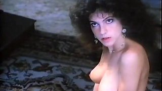 Clio Goldsmith,Unknown in Honey (1983)