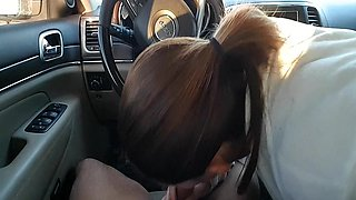 girlfriend swallowing cum in the car