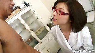 Fishnet clad nurse Kaoru Natsuki takes excellent care of
