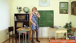 Dame teacher perverse fingering after having a class