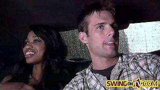 hot swingers pleasing each other