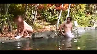 Japanese wife flashes stranger at the hotspring