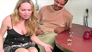 Spicy bimbo adores playing with her clit