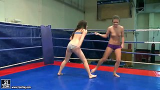 Awesome fight of the sexy Denise Sky and Tiffany Doll