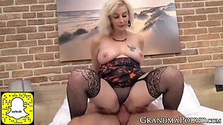 Facialized gilf bouncing on hard young cock with passion
