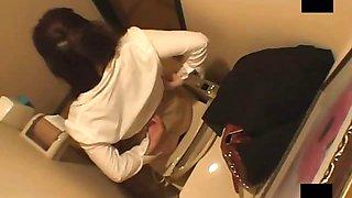 Solo girl toilet room onanism