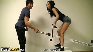 Hot pick up girl fucked in the gym