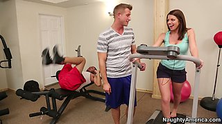 Brooklyn Chase gets her appetizing tits pleased in a gym