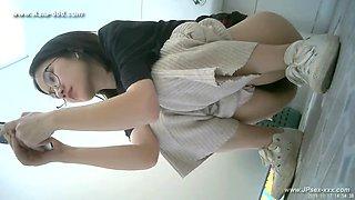 chinese girls go to ***