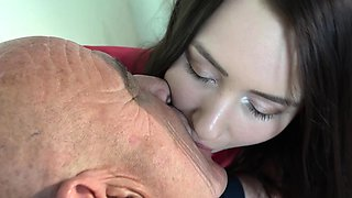 Oldman leaves him sperm on young cute face
