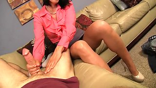 Zoey Holloway - Dad Cheats On Mom With Young Secretary, Mom Gets Revenge By Giving Her Son A Hanjdjob.