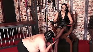 Worship Divine Domino - Goddess Likes To Dominate