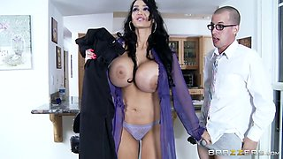 Mommy Got Boobs: Itchin' for a Petition. Amy Anderssen, Jessy Jones