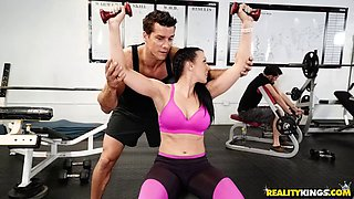 Cute babe gets her big ass drilled after hard workout