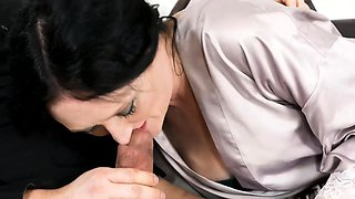 MATURE4K. Lucky buddy manages to fuck brunette stepmother