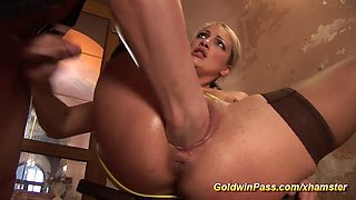 babe needs extreme pussy stretching