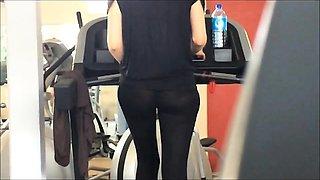 legging through gym