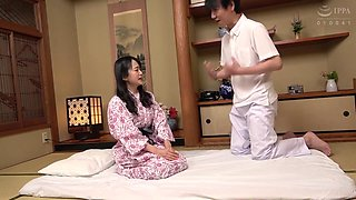 Scr-257 A Married Woman Falls At A Hot Spring Inn! Unscrupulous Oil Masseuse Voyeur Video