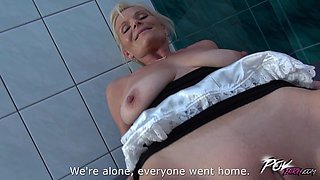 Mature maid Clarisa loves the feeling of warm sperm on her belly