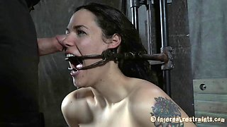 Slave refined with deepthroat smashing in BDSM porn