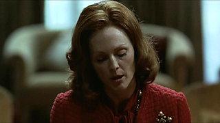 Julianne Moore in erotic scene