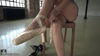 Sporty flexible hottie Nelly Kent leans over handrails to be analfucked