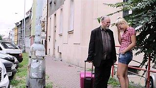 Savory russian blonde girlie enjoys shlong
