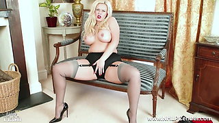 Curvy blonde masturbates in sexy grey nylons and high heels