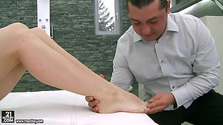 Ann Marie La Sante licked after hot footjob