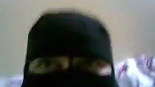 Arab wife gets dick inside her