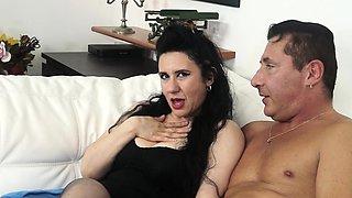 CASTING ALLA ITALIANA - Italian lady gets her pussy fucked